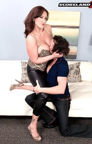 Big Tits Seduction Porn Pictures